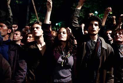 """Protestszene aus """"Die Träumer"""": Derart sexy kann man sich die Revolution nur im Kino vorstellen"""