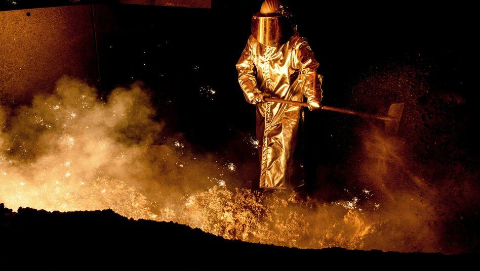 Mitarbeiter in einem Stahlwerk: Unfaire Wettbewerbsvorteile?