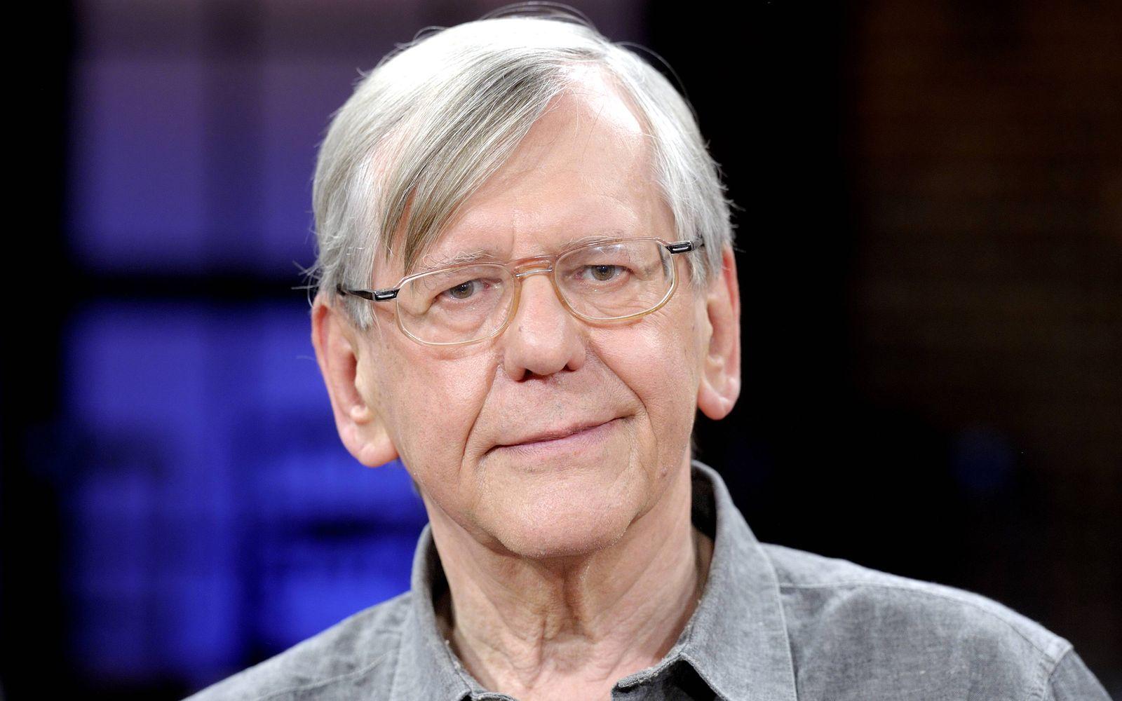 Herbert FEUERSTEIN Kabarettist und Autor Herbert FEUERSTEIN Cabaret artist and author 15 06 2012