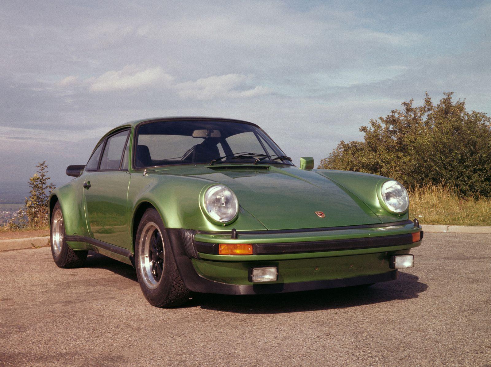 Turbo / Porsche 911 Turbo 1975