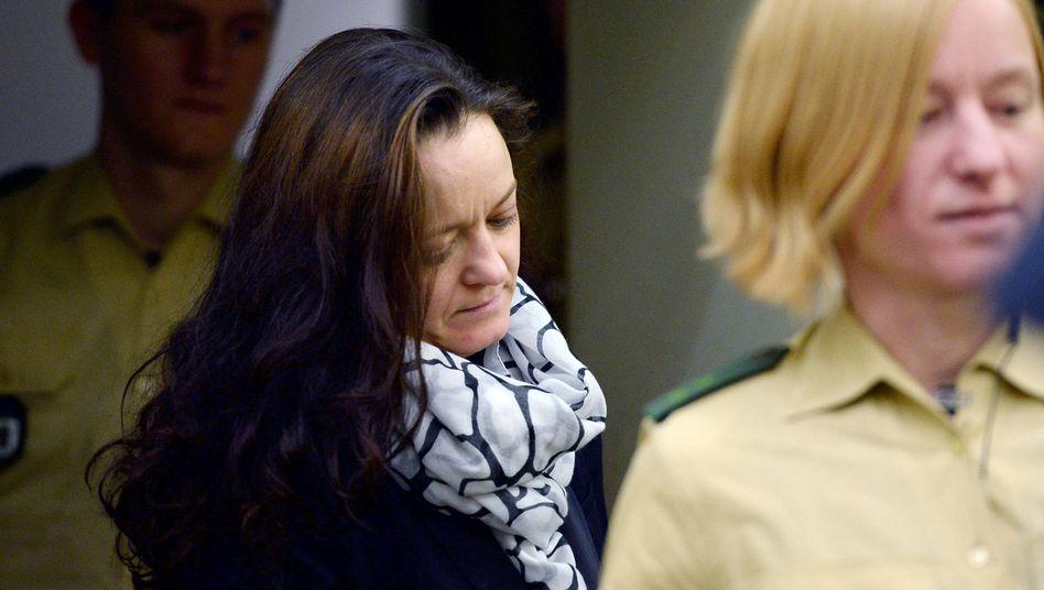 Beate Zschäpe vor Gericht (Archiv): Sie soll eine angenehme Nachbarin gewesen sein