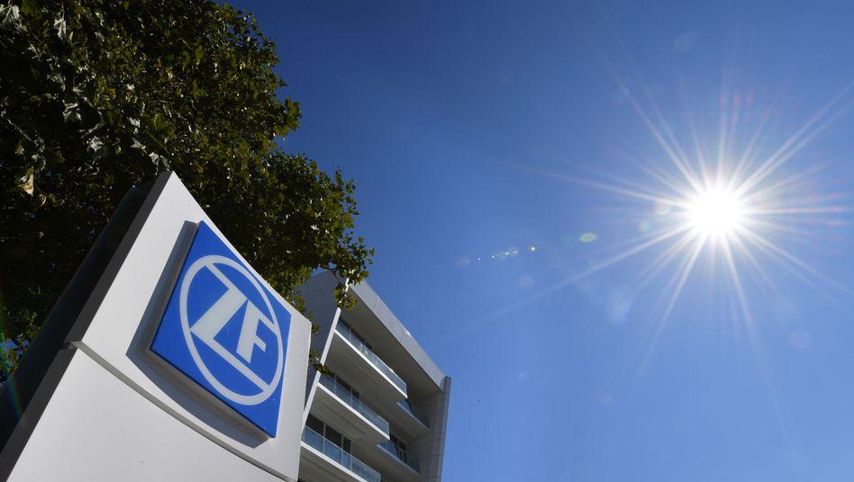 ZF Friedrichshafen: Jahresziel um eine Milliarde Euro nach unten korrigiert