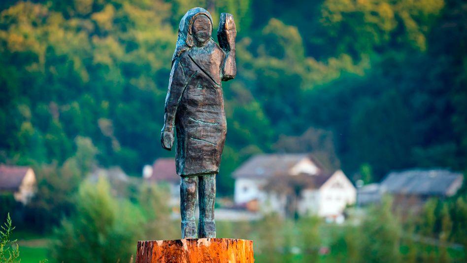 Die bronzene First Lady der USA: Melania Trump nahe der Stadt Sevnica