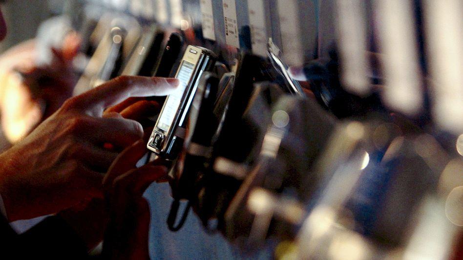 Smartphone-Nutzer: Krieg der Patente