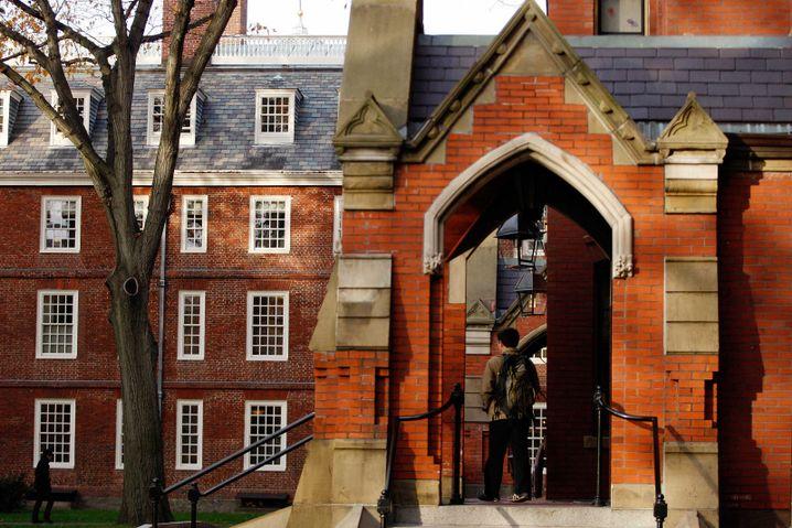 Hauptgebäude der Harvard- Universität