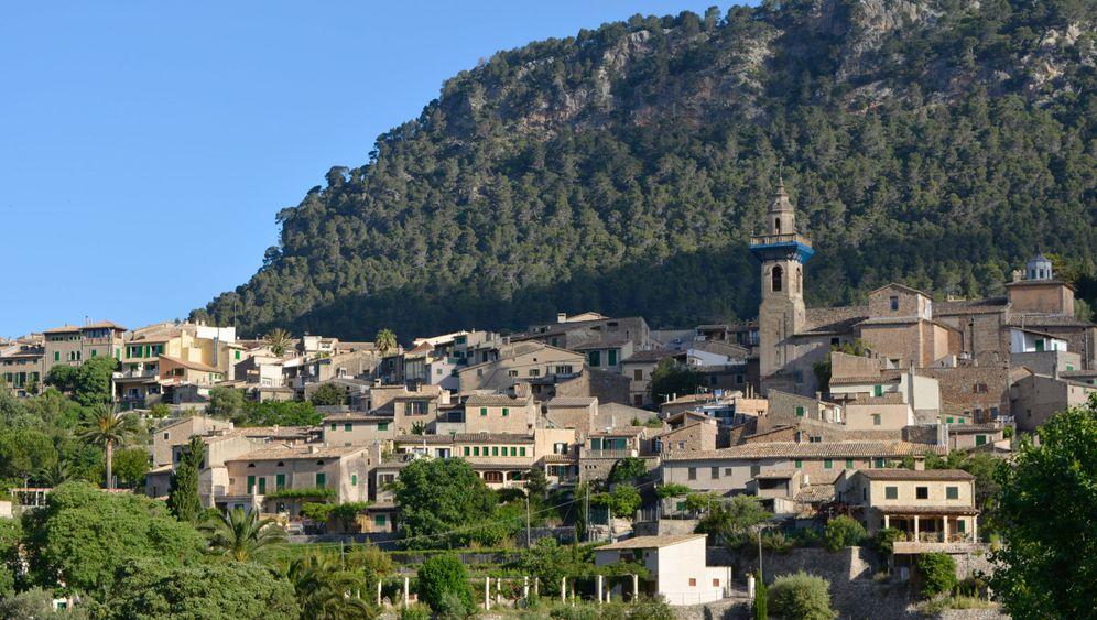 Valldemossa auf Mallorca: Ein Bergdorf wird überrannt