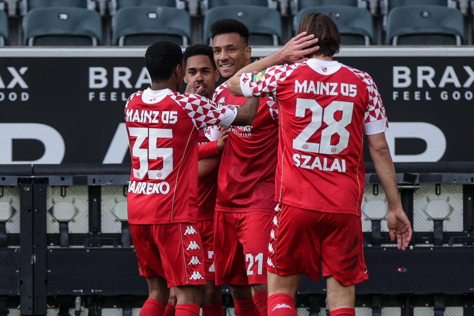 20.02.2021, Fussball, Saison 2020/2021, Bundesliga, 22. Spieltag - Borussia Mönchengladbach - FSV Mainz 05 v. l. Leandr