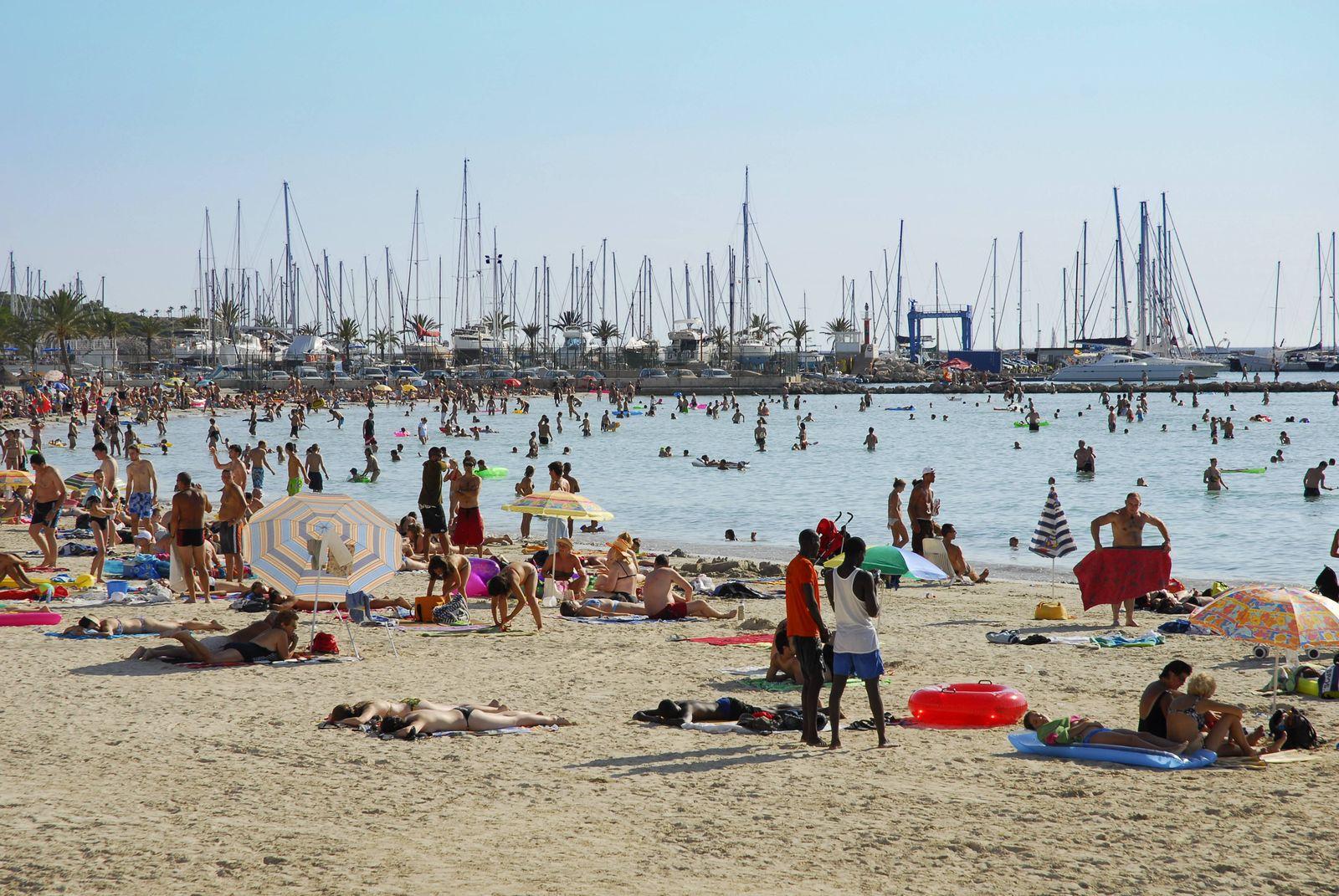 EINMALIGE VERWENDUNG Massentourismus/ Umwelt/ Palma