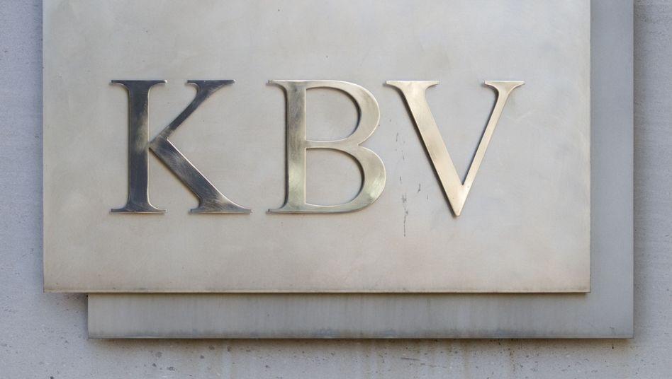 Türschild der Kassenärztlichen Bundesvereinigung Berlin (Archiv)