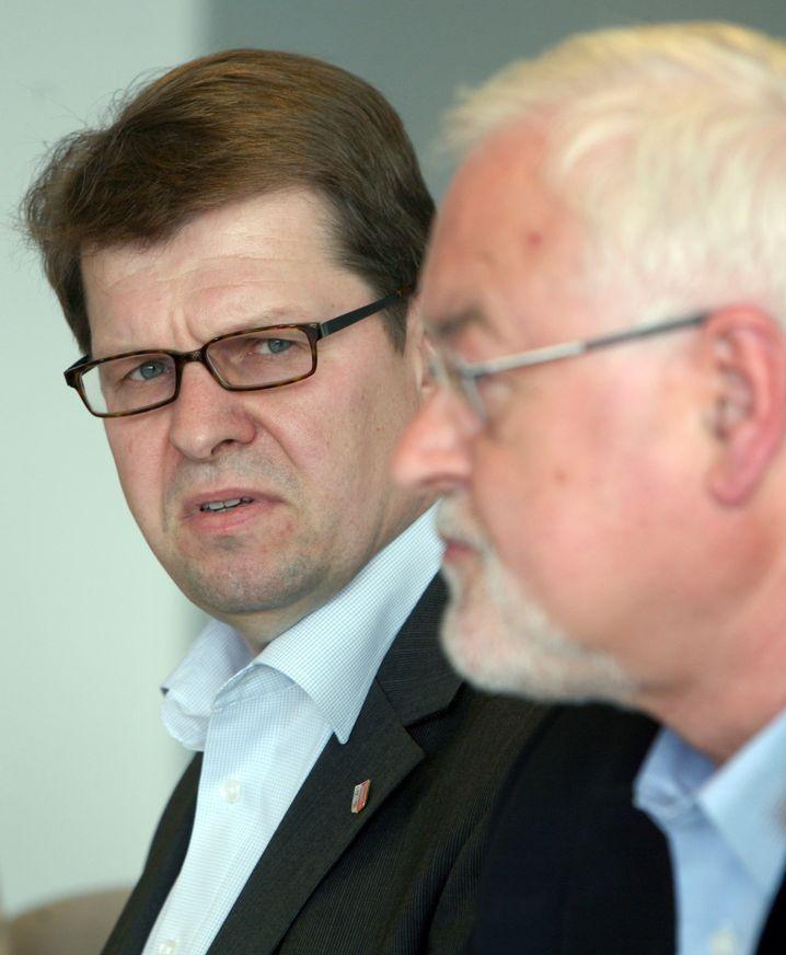 Politiker Stegner, Carstensen: Krach in Kiel