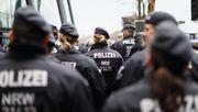 Beschuldigte Polizisten hörten das Horst-Wessel-Lied