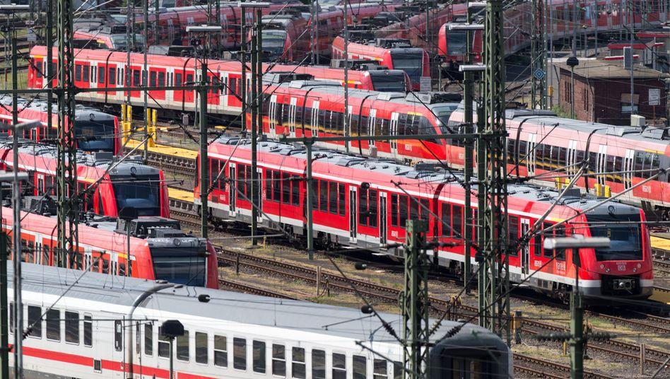 Züge in Köln: Schlichtung brachte den Durchbruch im Tarifstreit