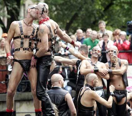 Schwulenparade in Amsterdam: Ähnliche Szenen müssen sich Ausländer ansehen, die in die Niederlande einwandern wollen