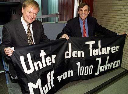 30 Jahre später: Detlev Albers (l.) und Gert Hinnerk Behmler, die einstigen Rebellen, in der Hamburger Uni