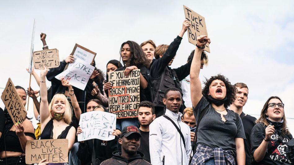 """""""Black Lives Matter""""-Demonstranten in Berlin am 6. Juni:""""Viele meinen, wir hätten genug gelernt - dabei stehen wir erst am Anfang"""""""