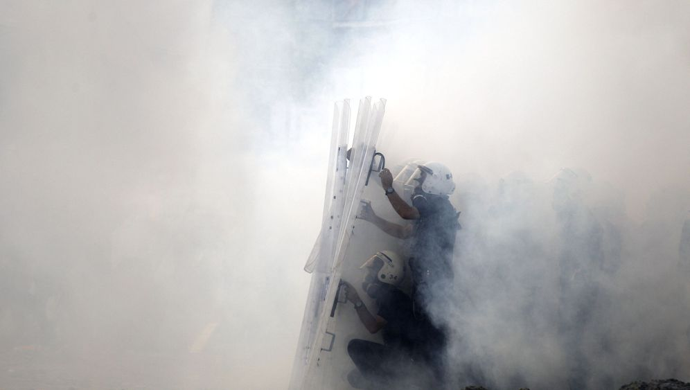 Photo Gallery: Police Move to Clear Taksim Square