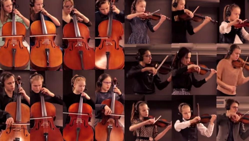 Musikschülerinnen und -schüler der Violinistin Kristīne Balanas, die am Ende der Onlineworkshops ein gemeinsames Konzert per Video einspielten