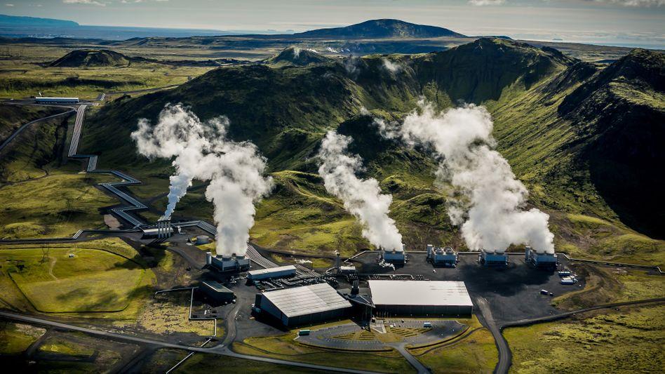 Geothermiekraftwerk in Island, auf dem Gelände befindet sich auch eine Anlage zur Abtrennung von Kohlendioxid aus der Luft