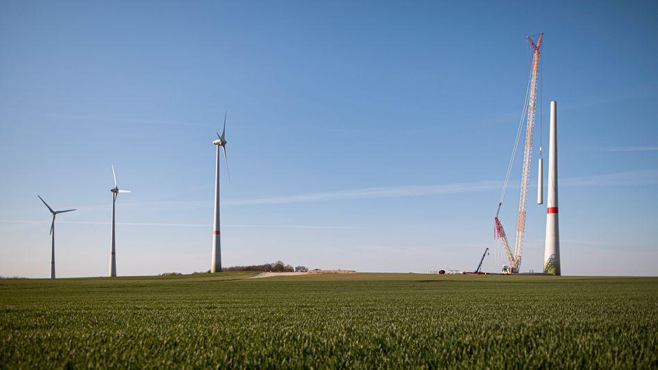 Bau einer Windkraftanlage bei Ludwigsdorf, nahe Görlitz