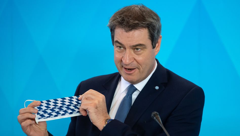 Bayerns Ministerpräsident Markus Söder mit Mundschutz (Archiv)