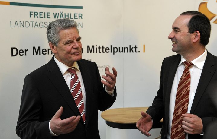 Rot-grüner Kandidat Gauck, FW-Chef Aiwanger: Zündstoff im Wahlkampf