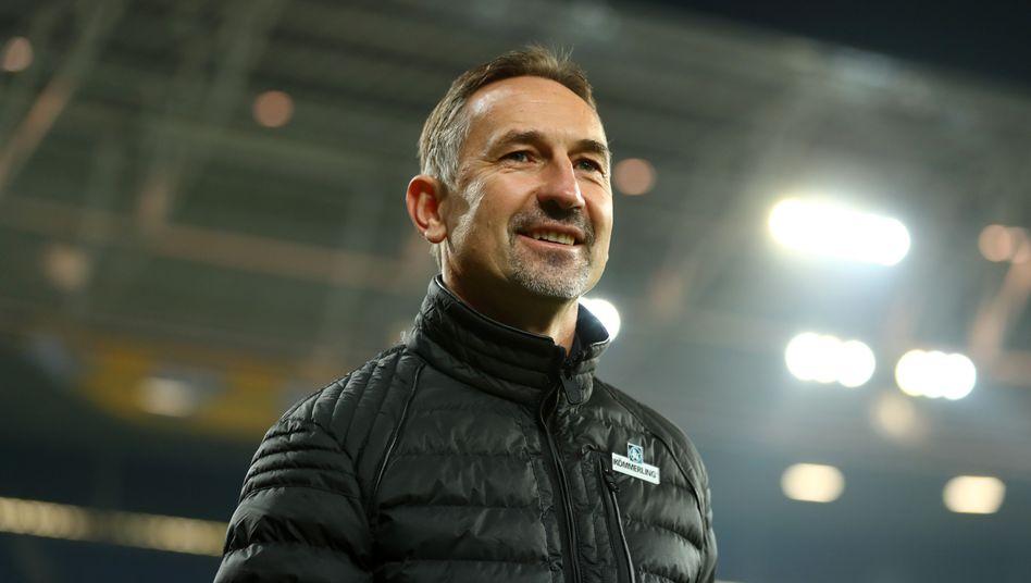 Der neue Mainzer Trainer Achim Beierlorzer konnte gleich strahlen
