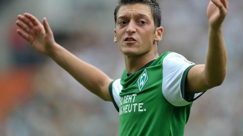 Nationalspieler Özil: Will in die Champions League, spielt bei Werder Bremen