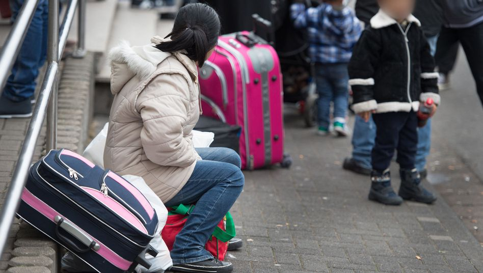 Flüchtlinge in Deutschland: Bund und Länder streiten über Kosten