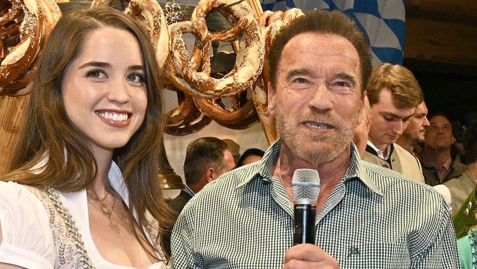Stolzer Vater: Arnold Schwarzenegger mit Tochter Christina (Archivbild)