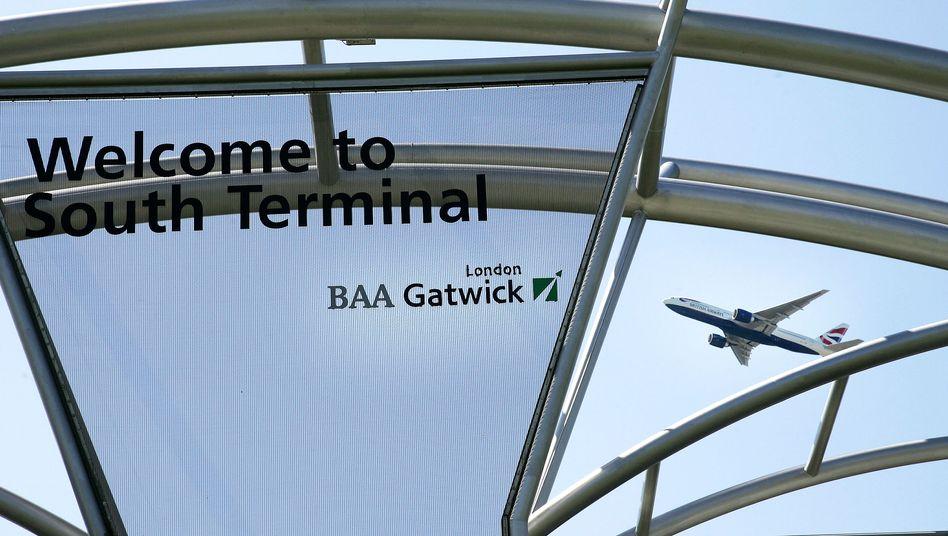 Flugzeug am Airport London-Gatwick