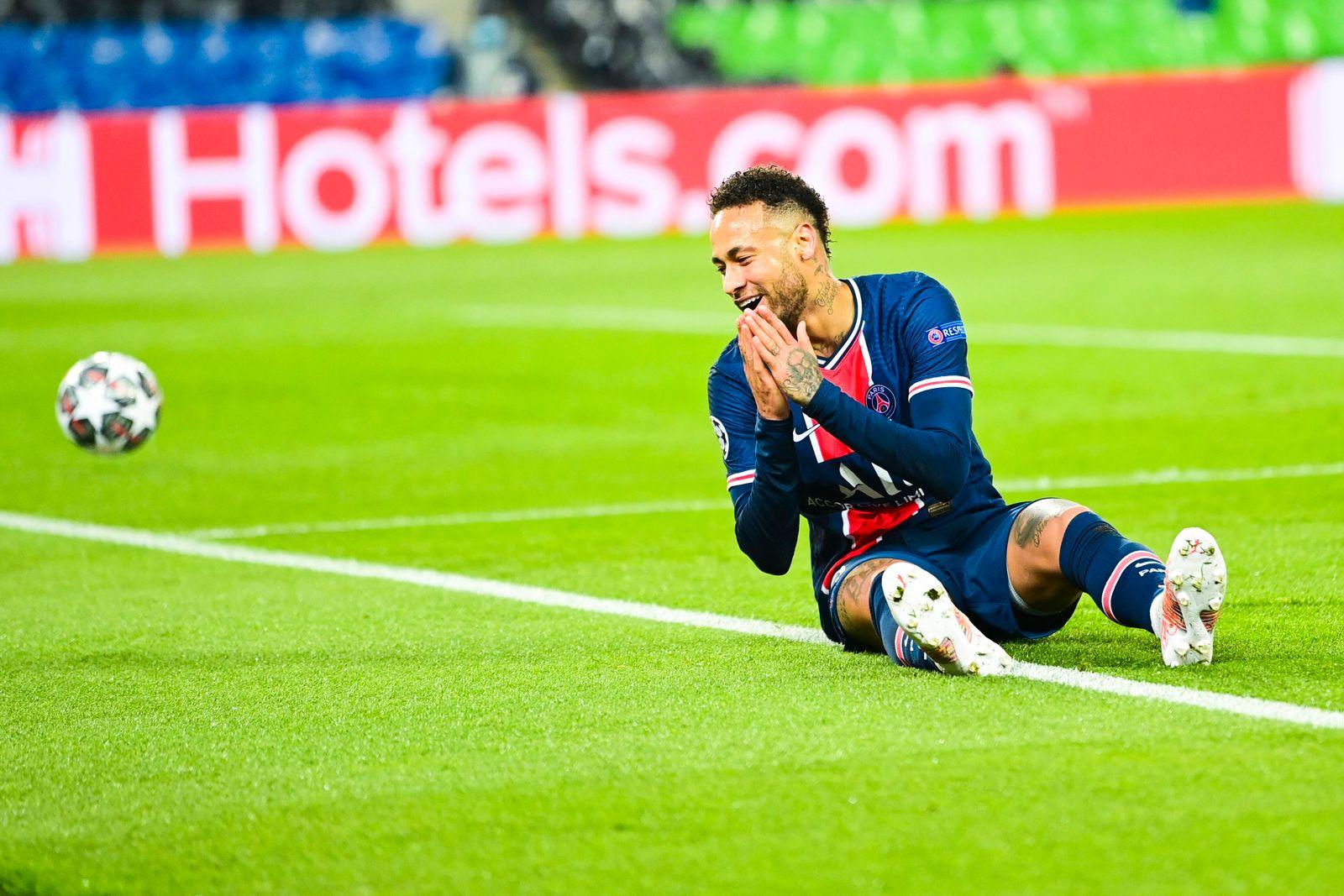deception de Neymar Jr (PSG) FOOTBALL : PSG vs Bayern de Munich - 1/4 finale - ligue des Champions - 13/04/2021 JBAutiss