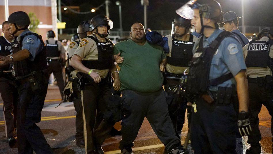 """Festnahme in Ferguson: """"Die neusten Gewaltakte werden nicht toleriert"""""""