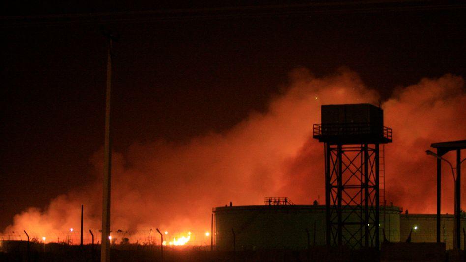 """Brennende Waffenfabrik Jarmuk: """"Wir glauben, dass Israel dahintersteckt"""""""