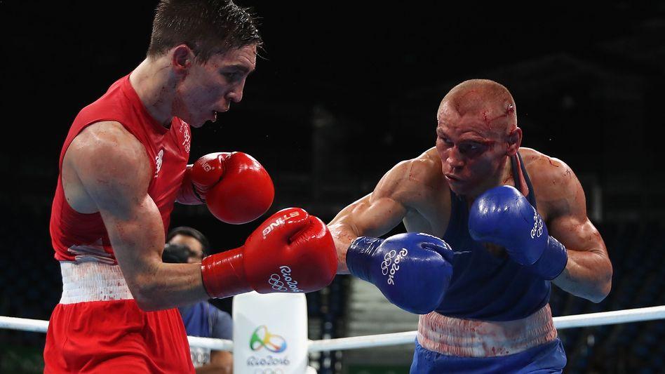 Der Ire Michael Conan boxt gegen den Russen Wladimir Niktin