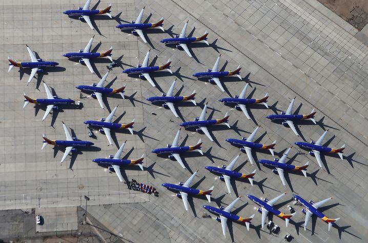Zwischengeparkte Boeing 737 Max auf dem Flughafen Victorville in Kalifornien (im März 2019)