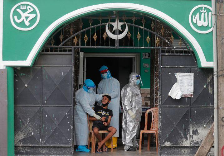 Der Inselstaat registrierte bisher 41.000 Infektions- und 191 Todesfälle. Die große Mehrheit der Fälle stammte erst aus den vergangenen drei Monaten