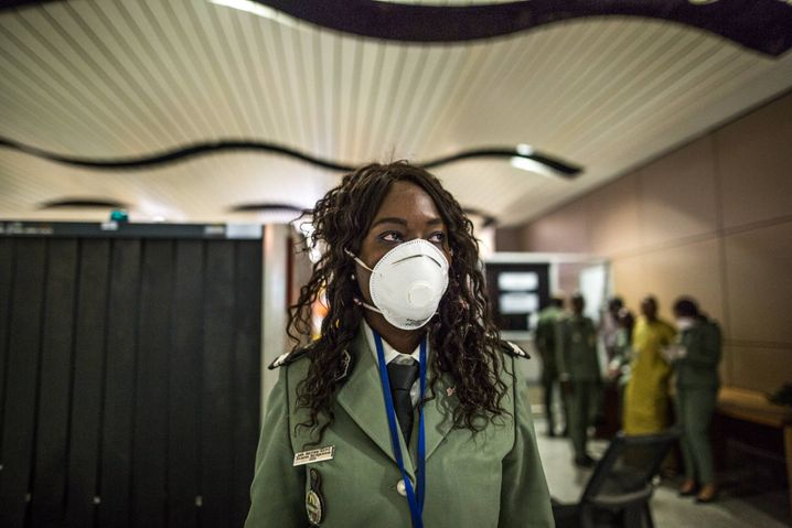 A customs official in Dakar: Countries in Africa are doing what they can to prepare for the pandemic. Fake news is not helpful.