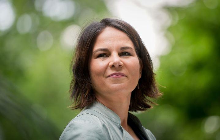 Grünenchefin Baerbock: Mindestens fünfstellig