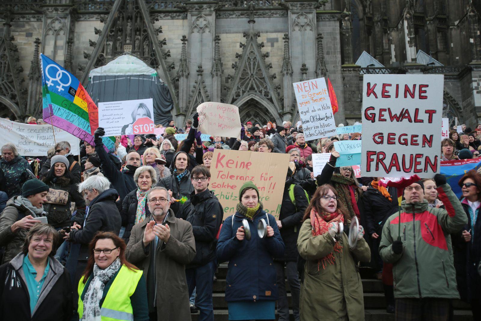 Buch/ Vergewaltigung/ Demonstration Köln