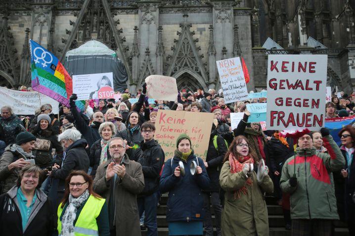 Proteste nach den Übergriffen der Silvesternacht