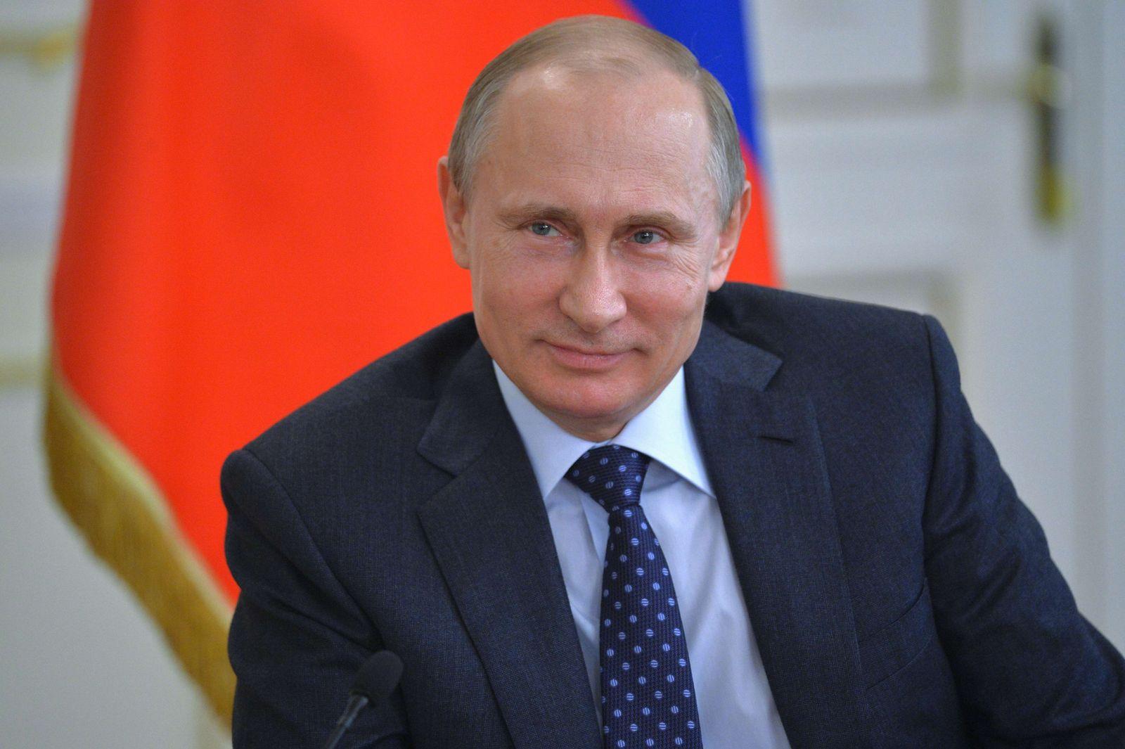 RUSSIA-PUTIN-INTERNET