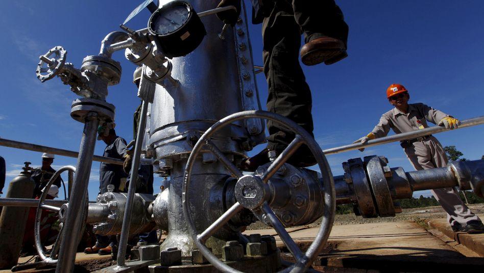 Ölförderung in Indonesien (Archivbild): Sorge vor weiterem Absturz