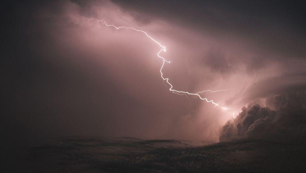 Wetter in Deutschland: Blitz und Sonnenschein
