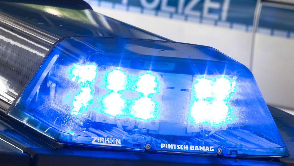 Polizeiwagen mit Blaulicht (Symbolbild)