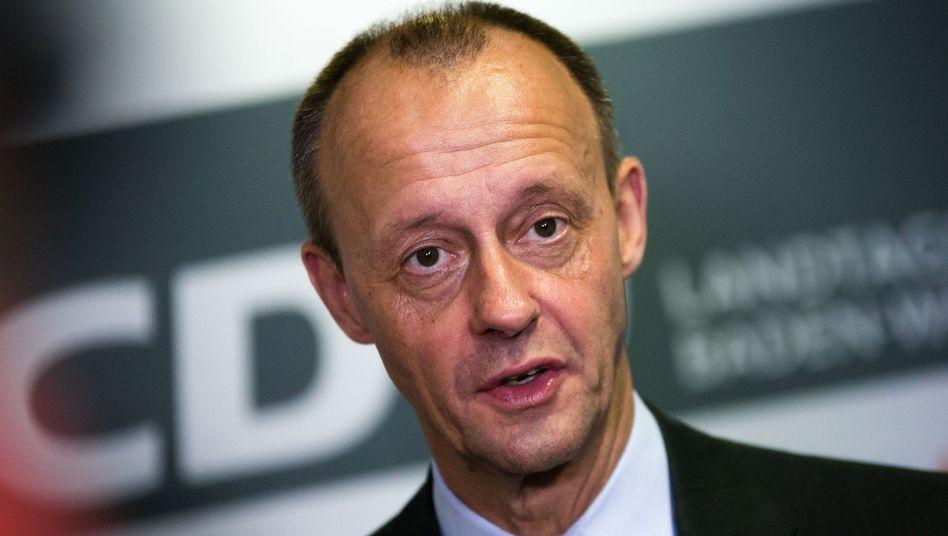 """Friedrich Merz beurteilt das Ergebnis der Wahl in Thüringen als """"großes Misstrauensvotum"""" gegen die Große Koalition. Die Verantwortung sieht der dabei bei der Bundeskanzlerin"""