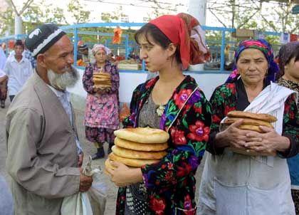 Der Markt in Termez: Viele fürchten, dass der Krieg über die Grenze schwappt