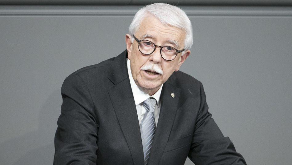 Paul Podolay (AfD) spricht in der Plenarsitzung im Deutschen Bundestag