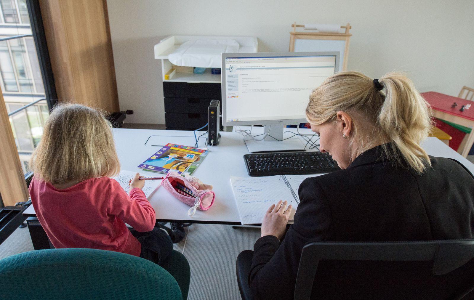 KaSP Kita-Streik / IHK Stuttgart / Eltern-Kind-Büro