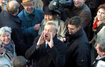 Ole von Beust: Wahlkampf auf dem Wochenmarkt