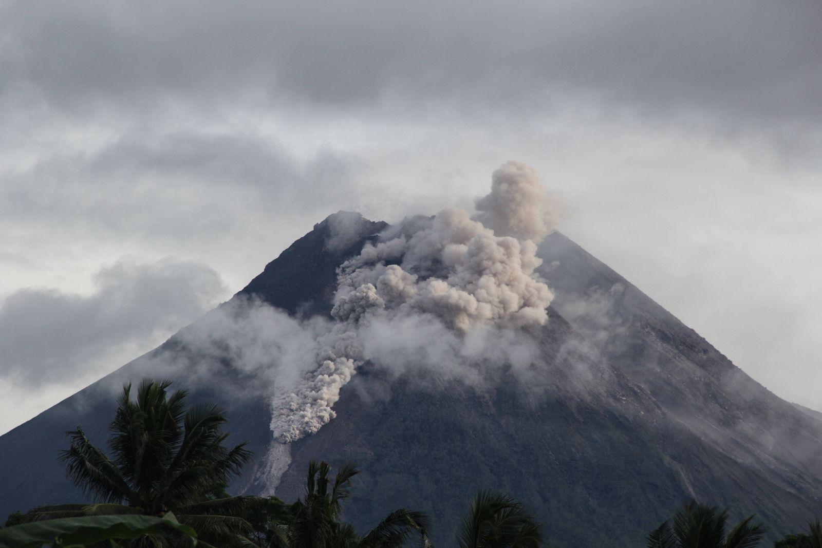 January 27, 2021, Sleman, YOGYAKARTA, INDONESIA: Mount Merapi in Sleman, Yogyakarta, Indonesia, released a large hot cl
